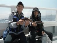<p>沖の一文字では根魚が釣れています。</p> <p>引き続き期待できます。</p> <p>和泉市の廣瀬様、大阪市の北浦様、沖のカーブで15~20cmのメバル 11匹、ガシラ 2匹</p>