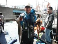 <p>木津川市の曽我様、沖の北で、1050gと1750gのタコ</p>