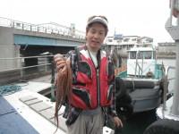 <p>東大阪市の中谷様、沖のスリットで、950gのタコ</p>