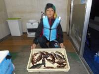 <p>沖の一文字で、グレ・ガシラも釣れています。</p> <p>富田林市の安川 恵登君、沖の北で、</p> <p>良型のメバル2匹・ガシラ10匹・アコウ・グレ等</p> <p></p>