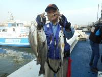 <p>東大阪市の今中様、中波止3番で、ハネ46cm 1匹・キビレ40cmまで2匹</p> <p>ウキ釣り 餌シラサエビ</p>