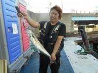 <p>東大阪市の中村様、沖の一文字北で、サワラ72cm1匹</p> <p>ルアー</p>