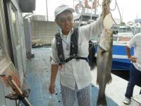 <p>枚方市の岩田様、中波止3番で、ハネ63cm 1匹</p> <p>ウキ釣り 餌シラサエビ</p>