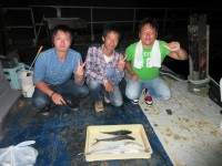 <p>泉大津市の向井様、沖の北で、タチウオ 2匹・45cm程度のサゴシ・36cmのツバス</p>