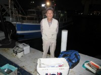 <p>阿倍野区の乾様、沖の北で、クーラー1杯のアジ・イワシとタチウオ 4匹</p>