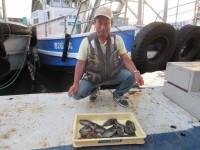 <p>和泉市の三宅様、沖の北で、タコ 2匹・25cmまでのグレ 11匹</p> <p>ヌカ切り イシゴカイ</p>