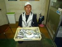 <p>タチウオ好釣!!</p> <p>和泉市の松原様、沖の北で、タチウオ 17匹・27cmのアジ等</p> <p>旧一文字でもサビキでマメアジ好釣です。</p>