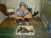 <p>岸和田市の稲村様、沖の北で、タチウオ 5匹・26cmまでの大アジ 2匹・グレ・メッキ等</p>