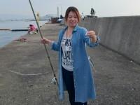 <p>赤木様、渡船は初体験!</p> <p>いい釣りしています♪</p> <p>ポイントは沖一文字の北</p>