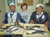 <p>和泉市の松原ファミリー(3人)沖の一文字北で、チヌ50cmまで9匹</p> <p>落とし込み 餌イガイ</p>