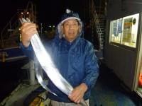 <p>堺市の吉村様、沖の一文字北で、タチウオ 指5本サイズ 2本</p> <p>ウキ釣り 餌サンマ</p>