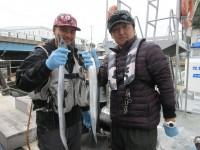 <p>尼崎市の中西様・大岡様、沖の一文字北で、タチウオ指4本サイズ2匹</p> <p>ルアー</p>