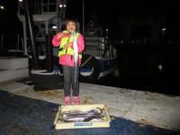 <p>寝屋川市の谷本桃香様、旧一文字の赤灯で指4本までのタチウオ</p> <p>11匹釣られました!!</p> <p>ウキ釣り(餌・サンマ、キビナゴ)やルアーでの釣果です。</p>