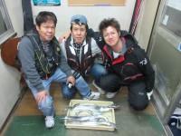 <p>東大阪市の中井様、「沖の一文字南」</p> <p>指3本~ドラゴン級のタチウオまで6匹GET!!</p> <p>キビナゴのウキ釣りでの釣果です!</p>