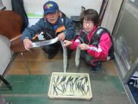 <p>奈良県の小杉様、「沖の一文字北」でサビキでアジ34匹・</p> <p>キビナゴのウキ釣りで指4本までの太刀魚3匹GET!!</p> <p>&nbsp;</p>