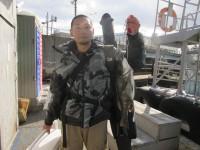 <p>茨木市の田中様、旧の一文字白灯で、チヌ45cm 1匹</p> <p>フカセ釣り 餌オキアミ</p>