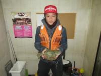 <p>京都府の安東様、沖の一文字北で30cmのカレイ</p> <p>投げ釣り 餌・アオイソメ</p>
