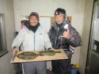 <p>奈良市の西辻様、沖のカーブで、36.5cmまでのカレイ 4匹</p> <p>&nbsp;</p>