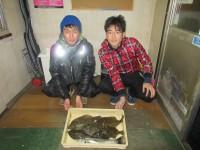 <p>豊中市の横谷様・濱井様、沖のカーブで、36cmまでのカレイ 6匹等</p>