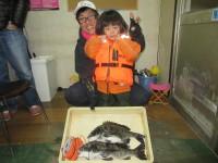 <p>堺市の高野様、中波止2番で、チヌ45cmまで2匹</p> <p>フカセ釣り 餌オキアミ</p>
