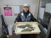 <p>大阪市の久斗様、沖のカーブで、カレイ36cmまで4匹</p> <p>投げ釣り 餌青イソメ</p>