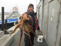 <p>堺市の宝山様、沖の北で、タコ1.8kまで2匹</p> <p>タコジグ</p>