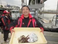 <p>平野区の東郷様、沖のカーブで、タコ 2匹・カタクチイワシ 約300匹等</p>