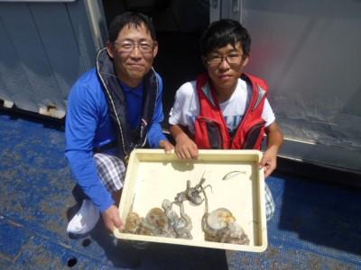 <p>堺市の小田様、沖一文字北で</p> <p>300gまでのタコ10匹程</p> <p>釣り方・タコジグ</p>