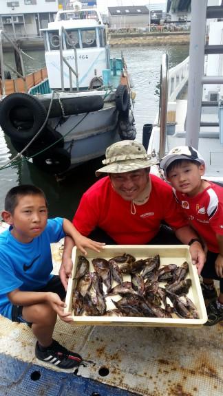 <p>河内長野市の中垣様、旧の一文字赤灯で、ガシラ 31匹・メバル 2匹</p> <p>サグリ釣り 餌シラサエビ</p>