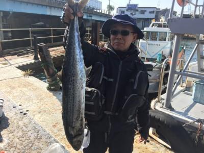 <p>大阪市の出口様、沖一文字北で</p> <p>93㎝のサワラ1匹</p> <p>釣り方・ワインド</p>