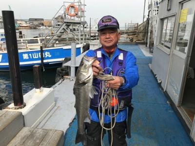 <p>東大阪市の今中様、沖一文字北で</p> <p>60㎝のハネ1匹</p> <p>エビ撒き釣り</p>