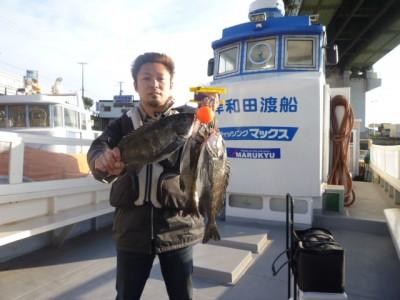 <p>大阪市のちょんまげ食堂釣り部の高田様、旧の一文字白灯で、チヌ 41㎝まで3匹</p> <p>フカセ釣り 餌オキアミ</p>
