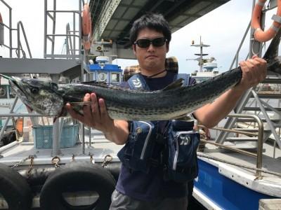 <p>大阪市の竹島様、沖一文字北で</p> <p>サワラ101cmまで1匹</p> <p>ルアー釣り</p>