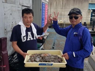 <p>大連市の楊・朱様(2人)沖の一文字北で、タコ 400gまで26匹</p> <p>タコジグ</p>