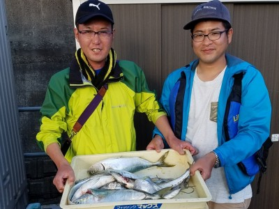 <p>堺市の奥野様(2人)沖の一文字北で、ハマチ 3匹・サゴシ 2匹・太刀魚 6匹</p> <p>ジグ</p>