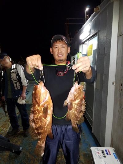 <p>岸和田市の達朗君、旧の一文字赤灯で、アコウ 43cmまで2匹</p> <p>ウキ釣り 餌シラサエビ</p>