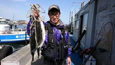 <p>岩田様 エビ撒き釣り 沖の北</p> <p>チヌ42.0cm 1匹 ハネ~52.0cm 2匹</p> <p>ハネ・チヌダービーのエントリー、ありがとうございます。</p>