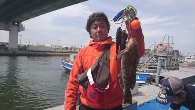 <p>河合様 沖の北 エビ撒き釣り アイナメ41cm! メバル22cm,20cm</p> <p>ボトム付近を狙って、貴重なアイナメをゲットです♪</p> <p>釣果報告、ありがとうございます。</p>