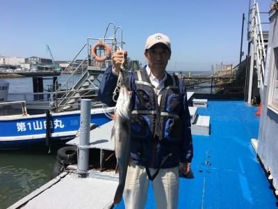 <p>西村様 沖の南 エビ撒き釣り ハネ68.5cm!</p> <p>二番船でご乗船頂き、9時頃にタナ5ヒロで見事なサイズをゲットです♪</p> <p>ハネ・チヌダービーの4月度月間大物賞、暫定1位に躍り出ました!</p>
