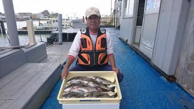 <p>前田様 沖の南 フカセ釣り チヌ45cmを筆頭に6尾GET!</p> <p>潮が少し悪い中、流石の釣果です。おめでとうございます(^^♪</p>