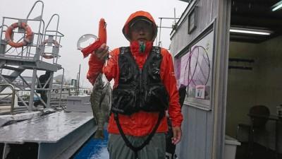 <p>左海様 沖の北 エビ撒き釣り チヌ34.0cm 今日はちょっと渋かったようです。</p>