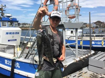 <p>森田様 旧一文字 落し込み釣り チヌ45.0cmまでを2枚!</p> <p>初の落し込み釣りで見事に釣られました! これで落し込み釣りにハマりますね♪ 釣果写真へのご協力、ありがとうございます。</p>