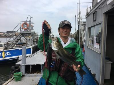 <p>曽根様 沖の北 岸ジギ ハネ54.0cm チヌ36.0cm</p> <p>本命の青物が少し厳しかったので、岸ジギにシフトしハネ・チヌをGetされました。ジグは30gでフォール中にHitしたとの事です。釣果写真へのご協力、ありがとうございます。ハネ・チヌダービーにもエントリー致します。</p>