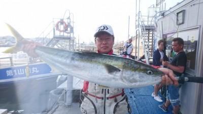 <p>高橋様 沖の北 飲ませ釣り/餌小サバ ブリ97cm 6kg超えGET!</p> <p>本日2本目のブリ釣果頂きました!餌は沖の北で釣られた小サバでとの事です。おめでとうございます(^^♪</p>