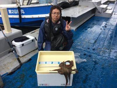 <p>匿名希望様 沖の北 マダコ1匹(キロオーバー)</p> <p>いいサイズのマダコが上がりましたよ♪ 8:00頃にHitしたとの事です。釣果写真へのご協力、ありがとうございます。</p>