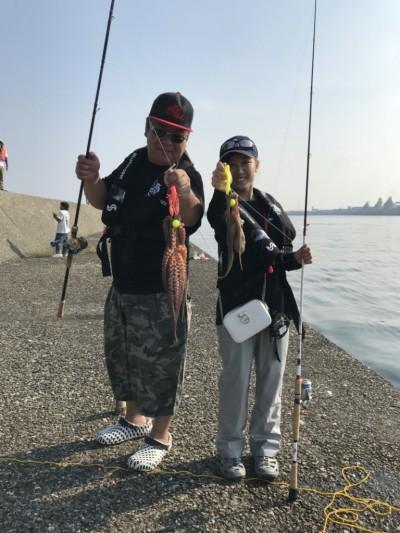 <p>タコ釣り大会 とても暑いなか皆様頑張っていました!</p>