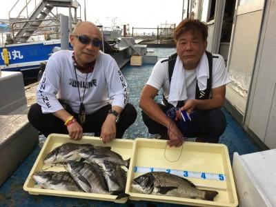 <p>西田様・真田様 沖の北/旧一文字 落とし込み釣り チヌ46.0cmまでを6枚</p> <p>いつもながらの安定した釣果、流石です! 釣果情報提供にご協力頂き、ありがとうございます。</p>
