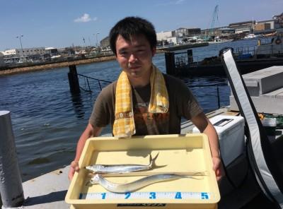 <p>川西様 沖の北 ワインド/ジグサビキ タチウオ・サゴシ</p> <p>今朝の状況は少し厳しかったようですが、獲物をGETされていますよ。釣果写真へのご協力、ありがとうございます。</p>