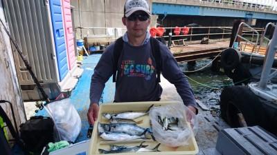 <p>大迫様 沖の北 ショアジギ サゴシ/中アジGET</p> <p>サゴシがこの所よく釣れています(^^♪ショアジギ初心者の方にもおすすめですよ</p>