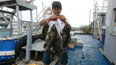 <p>フィッシングマックス泉大津店 木村くん 中波止2番北 フカセ釣りで47㎝までのチヌ6枚!良型揃いでした。2番船で渡ってエサがなくなった10時までの釣果です。</p>